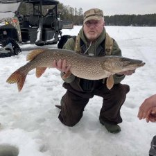 ice-fishing-9508